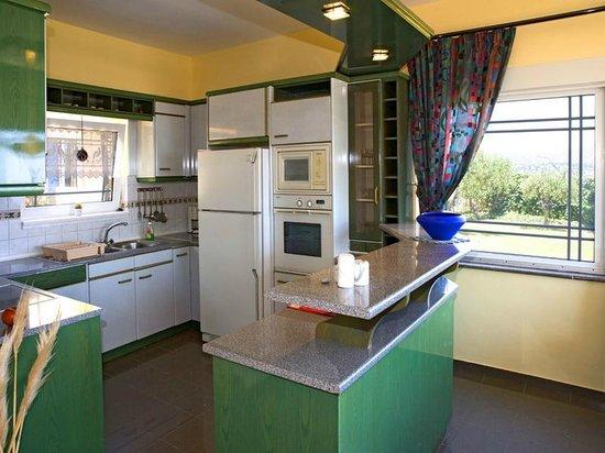 Panorama Villas : Villa 11 Kitchen
