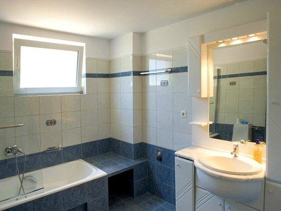 Panorama Villas : Bathroom