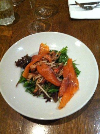 Le Pere Claude : salade queue ecrevisse et saumon