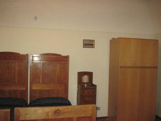 Residenza d'Epoca Palazzo Buonaccorsi: horrible bed