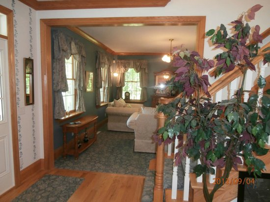 Bear Creek Farm Bed and Breakfast: Welcome to our warm home