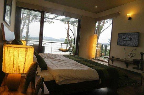 Waterwoods Lodge Kabini: Superior King Room 11