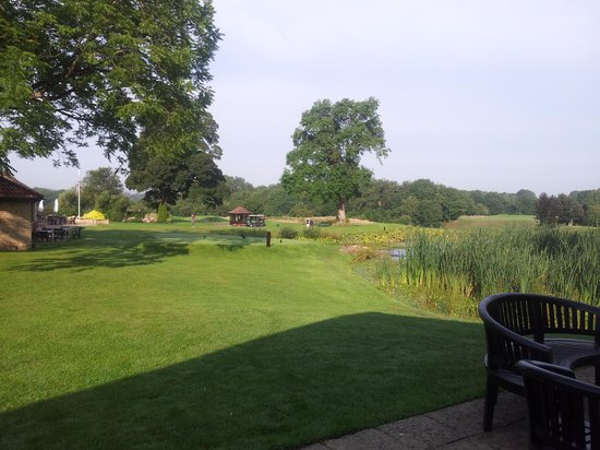 Manor House Golf Club: Lodge overlooking 1st tee