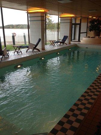 Hilton Helsinki Kalastajatorppa: Swimming Pool