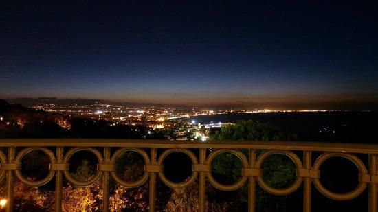 Hotel Posillipo Gabicce Monte: Kvällsutsikt från balkong
