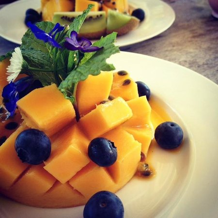Noosa Valley Manor B&B Retreat: Fruit Paradise for breakfast