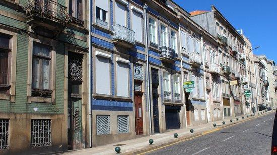 Hotel Mira Daire: Вид с улицы