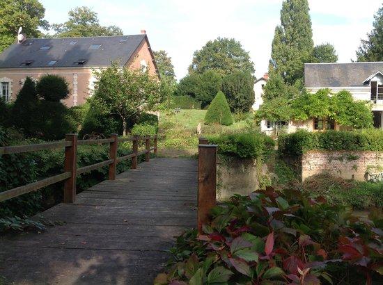 L'Ile o Reflets: beside the house