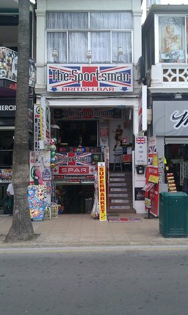 Liverpool Bar: Behind enemy lines! An oasis of Britishness in the German enclave of Arenal!