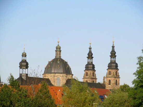 Dom zu Fulda: Spires from a distance