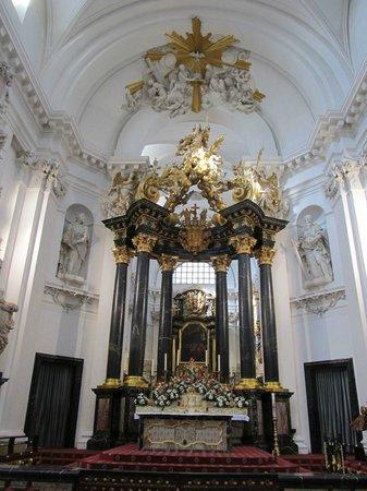 Dom zu Fulda: Altar
