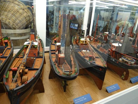 Lowestoft and East Suffolk Maritime Museum: steam drifter models