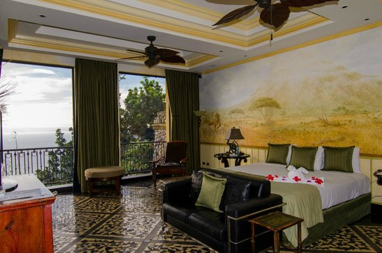 Zephyr Palace Luxury Rental Mansion : African suite