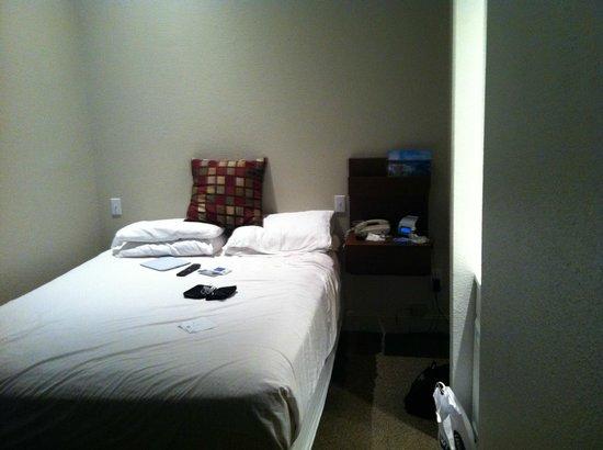 The Metro Hotel: Room 104