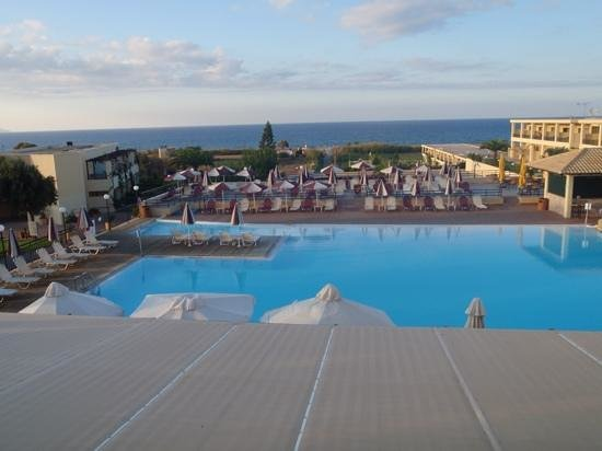 Solimar Aquamarine Hotel: Pool view from rooftop terrace