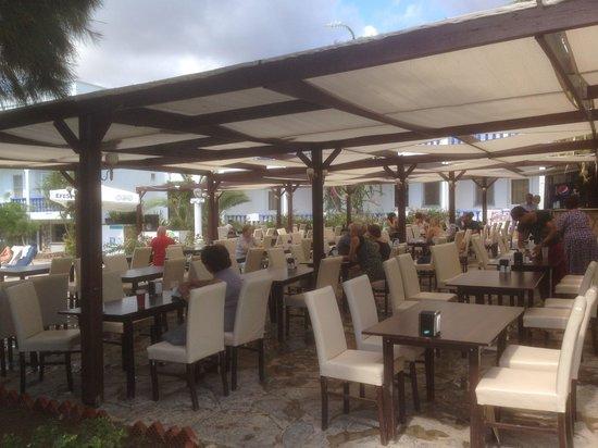 Moonstar Hotel: Eating area