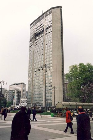Grattacielo Pirelli : DOPO CADUTA AEREO.