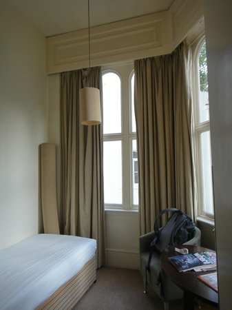 Kensington House Hotel: sub room