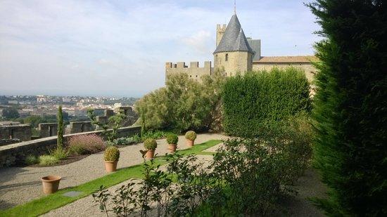 Hotel de la Cite Carcassonne - MGallery Collection : вид из номера