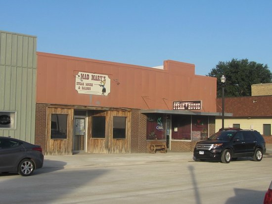 Mad Mary's Steakhouse & Saloon: Mad Marys Steak House and Saloon