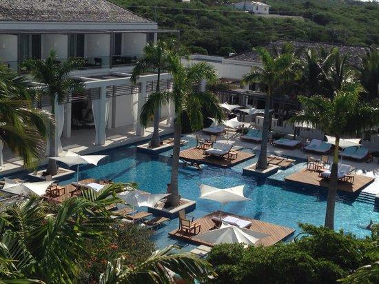 Gansevoort Turks + Caicos: Pool is beautiful