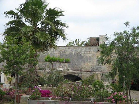 Tenuta Litta: Il giardino della tenuta