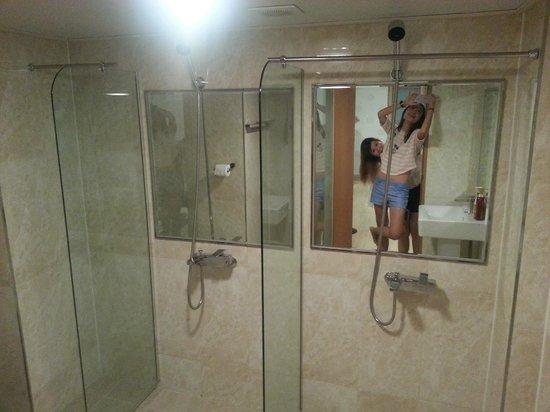 HOTEL GS : bathroom