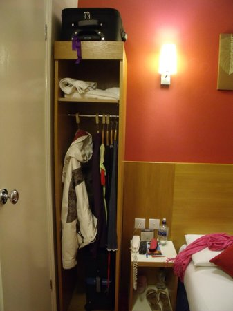 Comfort Inn London - Westminster: Armario