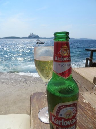 Hula hula beach bar: Perfect afternoon