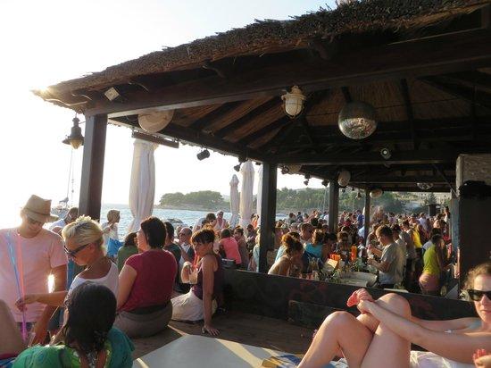 Hula hula beach bar: Sunset Party