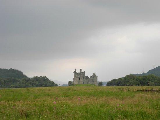 Kilchurn Castle: Weg vom Parkplatz zur Burg