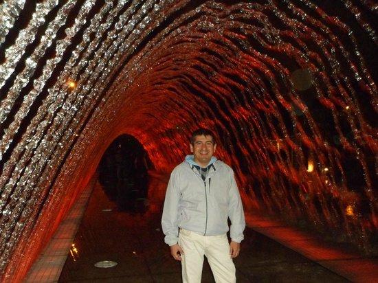 Discovering Peru: parque de las aguas...el tunel de agua