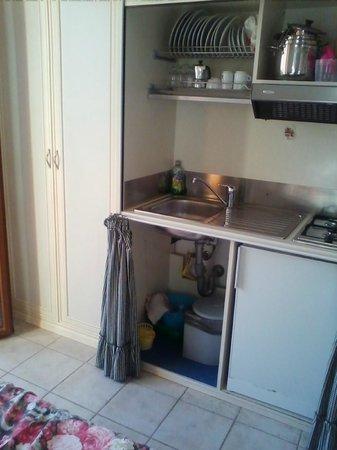 Residence Teclini: Кухня,шкаф