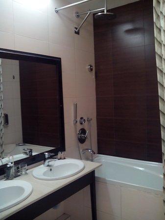 Hotel Marton Palace: ванна