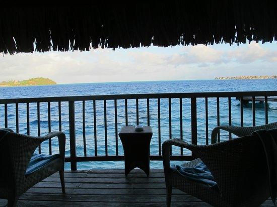 Maitai Polynesia Bora Bora: terrasse bungalow pilotis