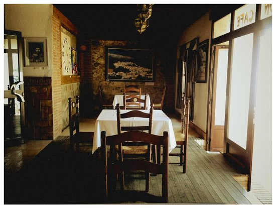 Territorio Flamenco: Romantic and at times very lively.