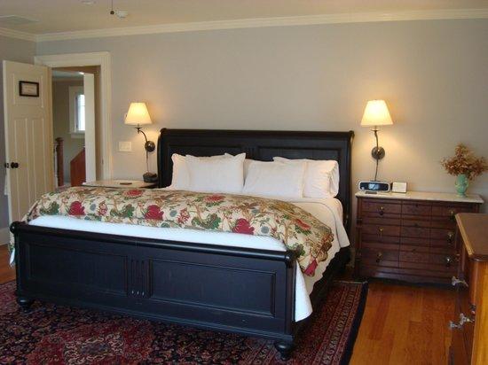 Springwater Bed & Breakfast: State Seal Spring Room