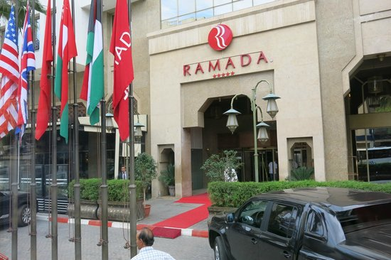 Ramada Fes: Hotel front