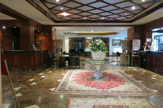 Ramada Fes: Hotel entrance
