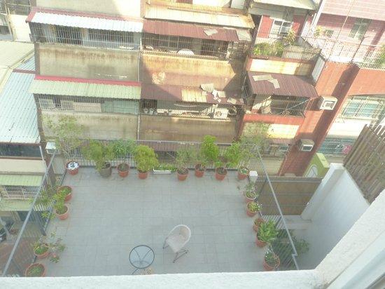 Sunnyside Hotel : Rear room facing residential area
