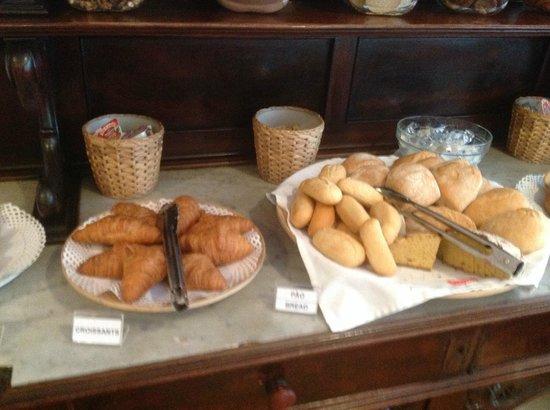Residencial Mar e Sol: breads