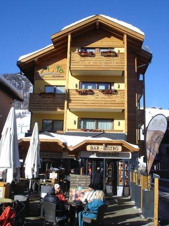 Alp & Wellness Hotel Mota: Fronte Hotel
