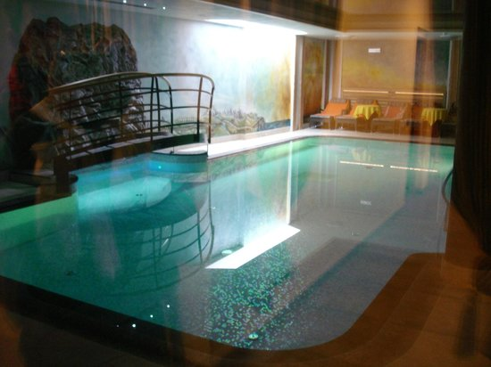 Alp & Wellness Hotel Mota: Piscina Interna