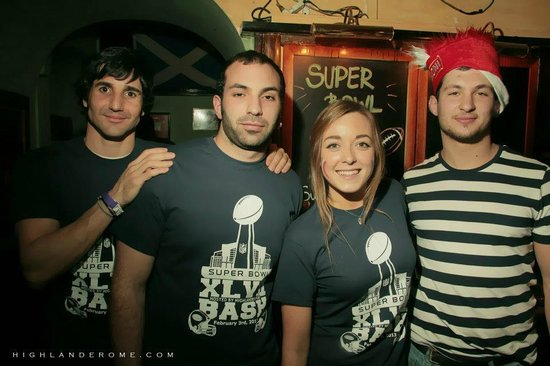 The Super Bowl Bash - Foto di Highlander Pub 0e853625e