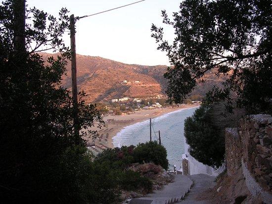 Hotel Katerina: To the beach.