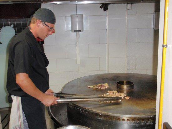 Restaurant Mongolian BBQ: hier word het eten gegrild