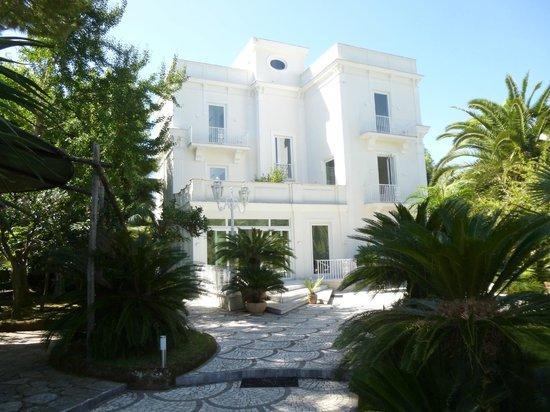 Villa dei D'Armiento: Gardens of villa