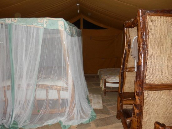 03/2013, Ndololo Camp, Tsavo East, Hauszelt, Bett