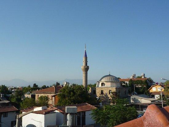Sempati Motel: Mosque view