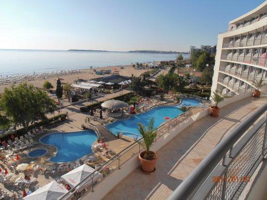 LTI Neptun Beach Hotel: Blick vom Balkon zum Meer u Pool